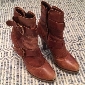 High heeled leather ankle boots - 7.5